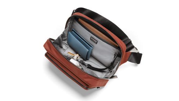 The daily shoulder bag