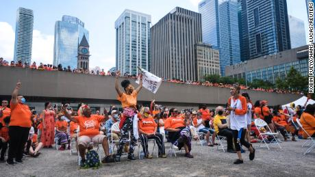 Plusieurs villes ont annulé les événements de la fête du Canada cette année en raison d'un scandale concernant le traitement des enfants autochtones.