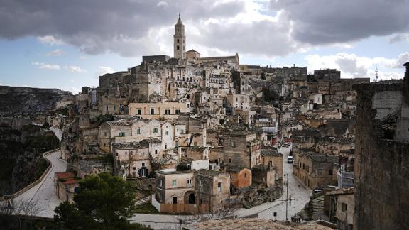Matera, in Basilicata, comparirà negli itinerari.
