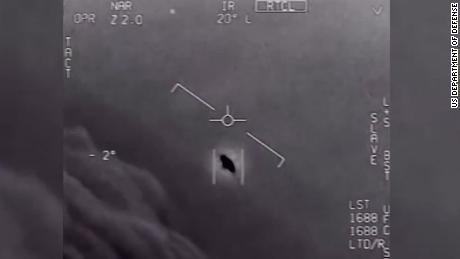 Con el informe OVNI publicado recientemente, más personas preguntan sobre la vida extraterrestre.  Esto es lo que puede revelar esta pregunta