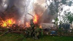 At least 17 killed in Philippine Air Force plane crash
