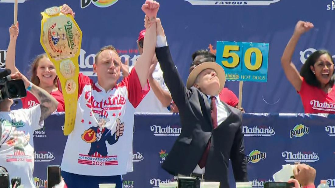 Nathan's Hot Dog Contest 2021 winners: Joey Chestnut and Michelle Lesco -  CNN