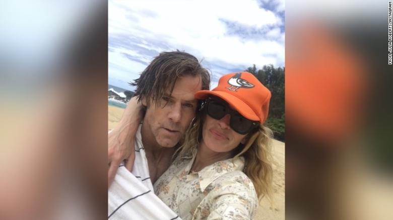 Julia Roberts shares rare selfie with husband Danny Moder to celebrate wedding anniversary