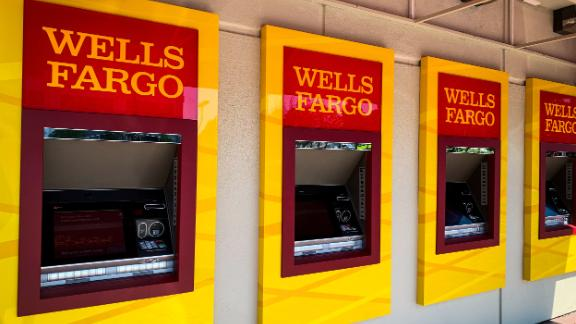 Image for Wells Fargo is closing all personal lines of credit