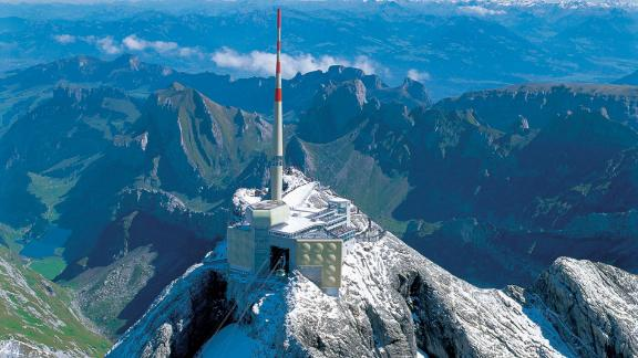 An experimental laser will soon be tested at Säntis, in the Swiss Alps, where the radio transmission tower at its summit is hit by lightning hundreds of times each year.