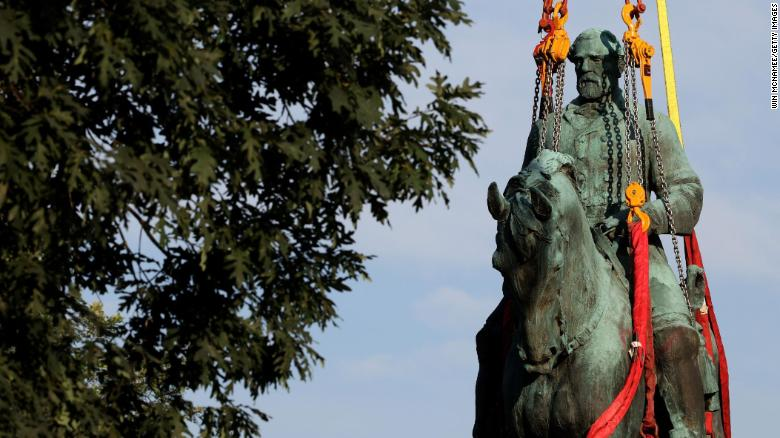 Charlottesville begins taking down Confederate statues