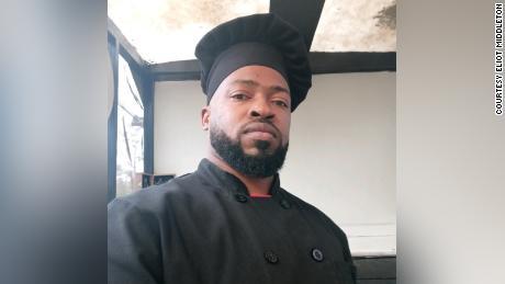 Eliot Middleton est un mécanicien devenu restaurateur dans la région rurale de Caroline du Sud.