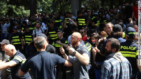 Police intervene in demonstrations after people try to attack journalists on July 5.