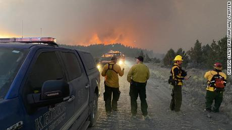 Oregon's Bootleg Fire more than triples in size to 150,800 acres