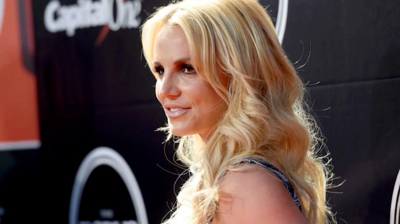Britney Spears files to remove her father as conservator of her estate