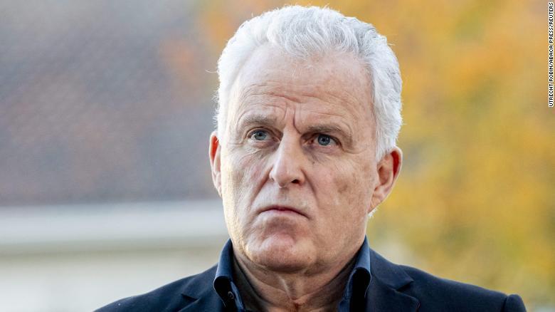 Dutch crime journalist Peter R. de Vries dies in hospital