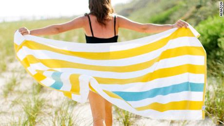 24 top-rated beach towels you'll want to carry around all summer (CNN Underscored)