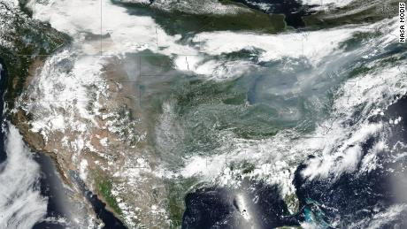 Wildfire smoke from the West's massive blazes stretches all the way to the East Coast