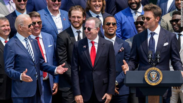 Tom Brady cracks joke about election denial at White House ceremony honoring Super Bowl champion Tampa Bay Buccaneers