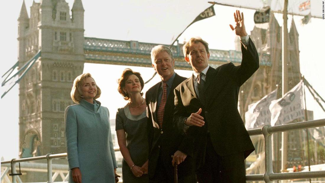 Bill Clinton turned down tea with the Queen to 'be a tourist'