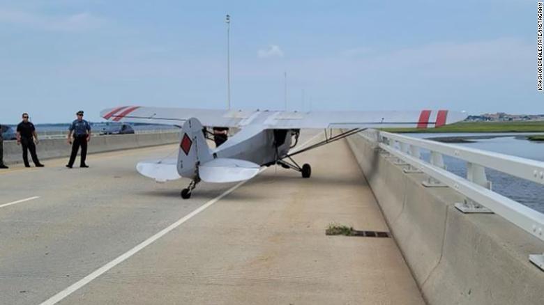 Teen pilot makes emergency landing on New Jersey bridge