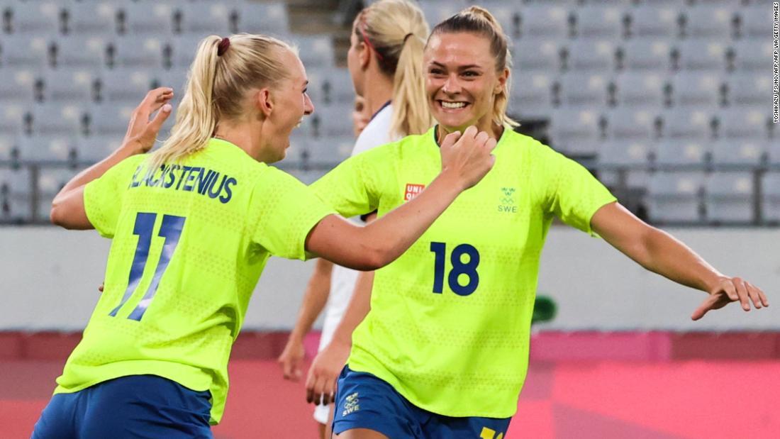 Sweden hammers US women's soccer team