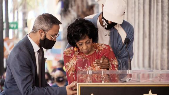 Image for Marla Gibbs okay after scary moment during Hollywood Walk of Fame unveiling