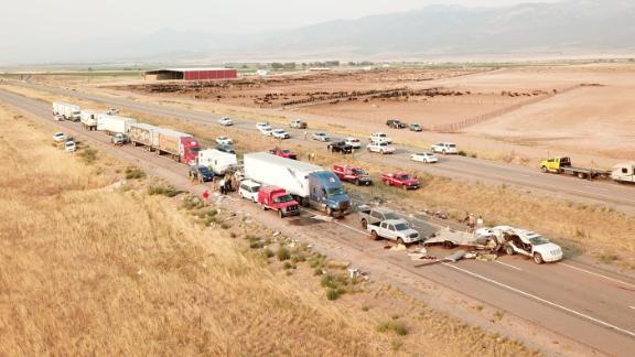 Các quan chức cho biết hôm Chủ nhật, một trận bão ở hạt Millard, bang Utah, đã dẫn đến một loạt tai nạn nguy hiểm trên đường I-15.