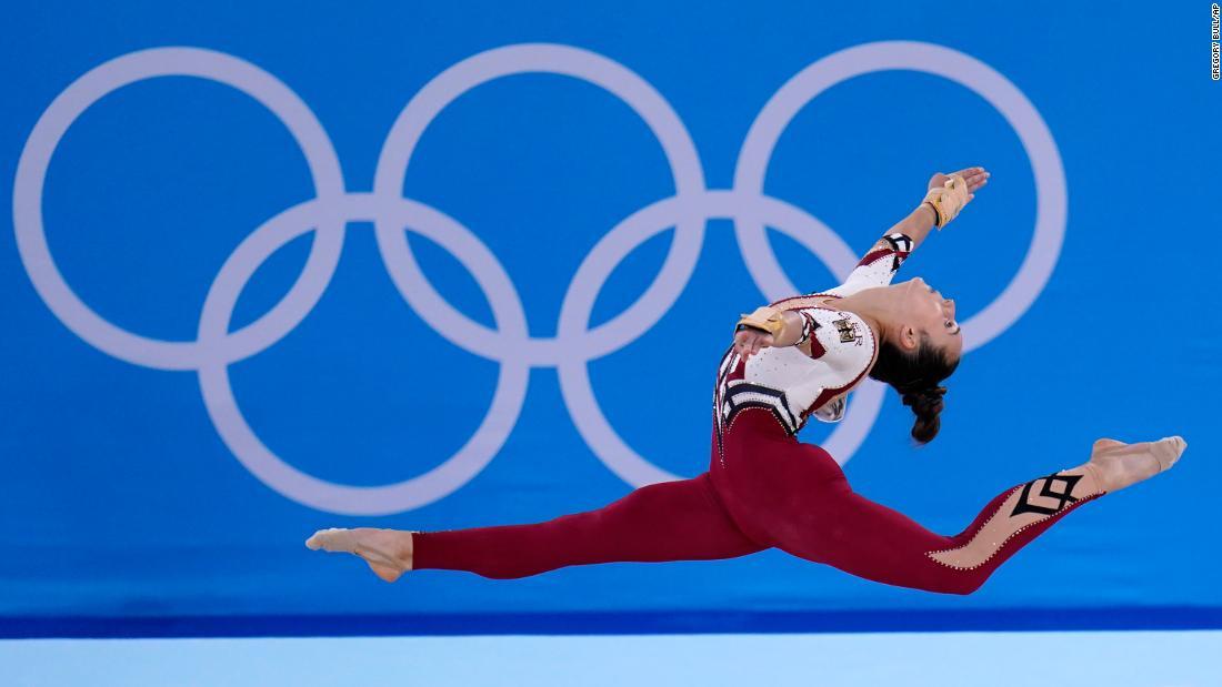 Немецкие гимнастки решили закрыть тело.