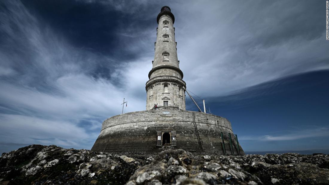 How does a UNESCO World Heritage rating affect a tourist destination?