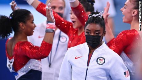 Opinion: I used to be an elite athlete. I relate to Simone Biles's struggle