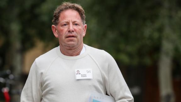 Le PDG d'Activision Blizzard, Bobby Kotick, subit la pression des autorités californiennes ainsi que de ses propres employés.