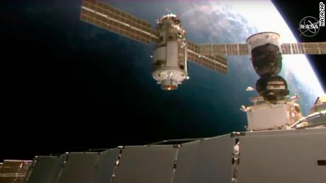 La Estación Espacial Internacional pierde brevemente el control después de que falla un nuevo módulo ruso