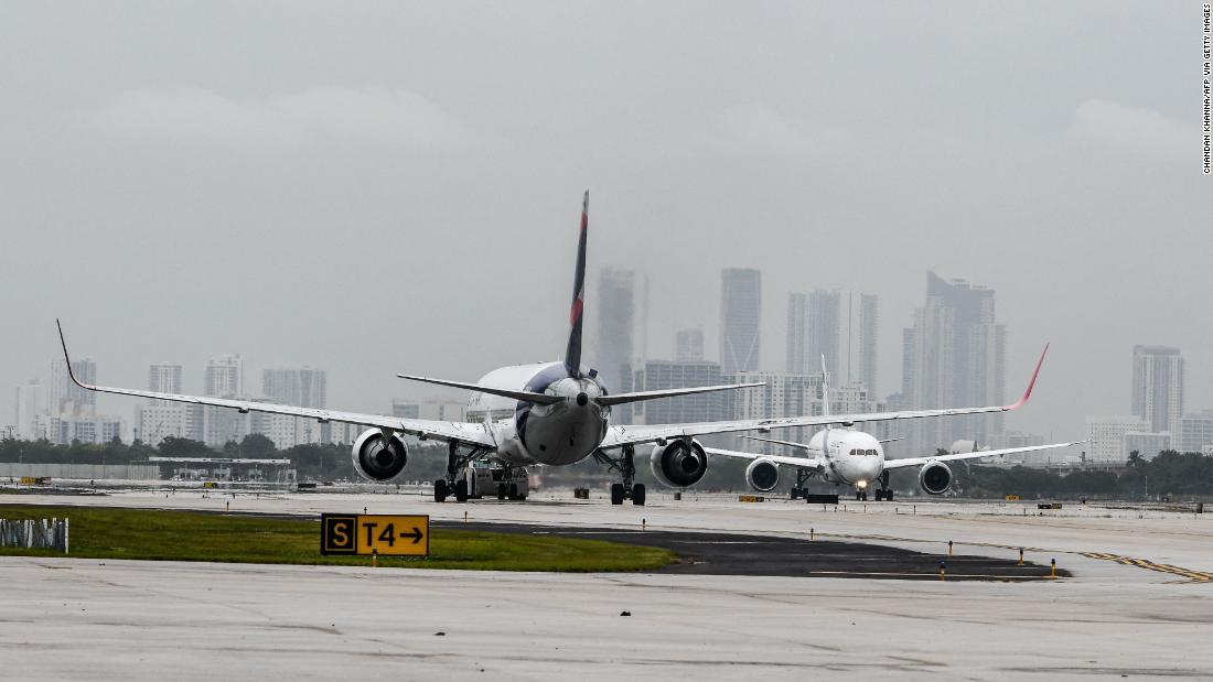 Flight attendant union calls for criminal penalties for unruly passengers