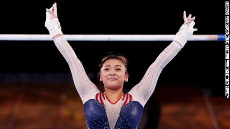 'No pensé que alguna vez estaría aquí'  Suni Lee dice después de ganar el oro olímpico