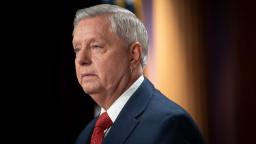 """Lindsey Graham exams constructive for Covid-19 and has had """"flu-like signs"""" regardless of being vaccinated"""
