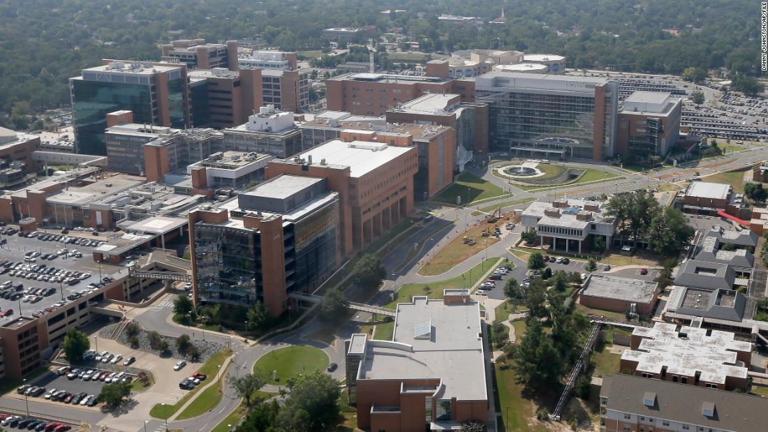 This Arkansas hospital is so short on nurses in this newest Covid-19 surge, it's offering a $25,000 signing bonus