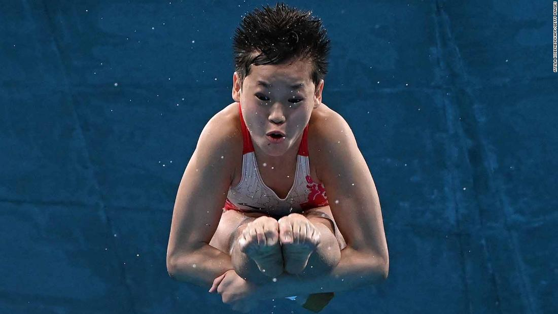 14-year-old sensation wins gold with perfect-10 dives