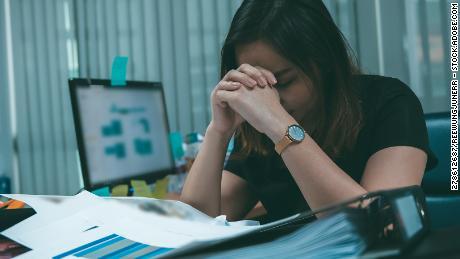 Hlboké dychové cvičenia môžu pomôcť zmierniť stres.