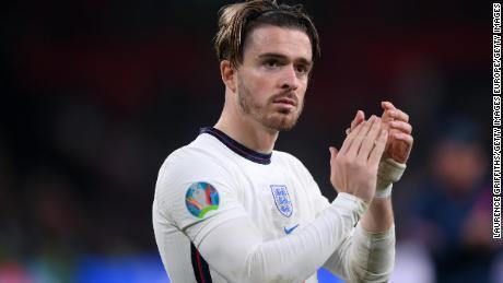 Jack Grealish d'Angleterre rend hommage aux fans après la finale de l'Euro 2020 contre l'Angleterre.