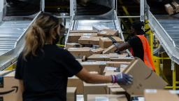 Amazon reinstates mask requirement for all US warehouse workers