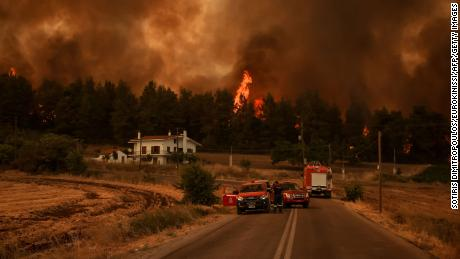 Evia está na linha de frente dos incêndios florestais devastadores que assolam a Grécia.