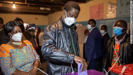 Zambia begynner å stemme ved presidentvalget
