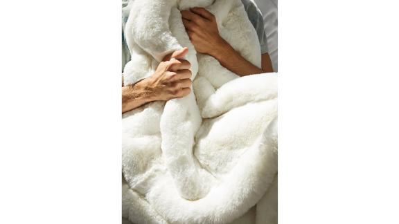 Unhide The Marshmallow 2.0 Medium Faux Fur Throw Blanket