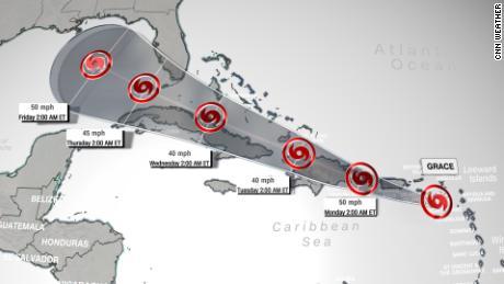 Jalur prakiraan Badai Tropis Grace pada Minggu pagi menunjukkan jalur badai di atas Karibia utara.