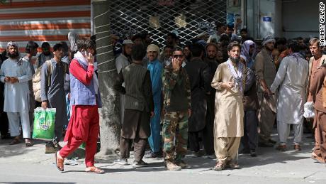Afghanische Journalisten geraten inmitten der Taliban-Übernahme in Panik