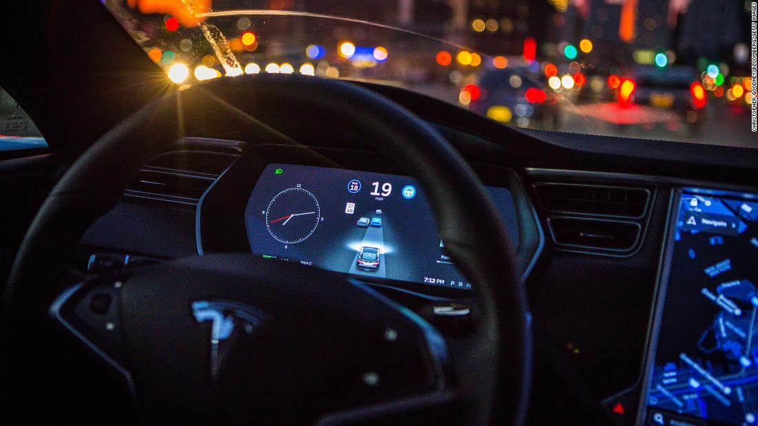 New York (CNN Business)Federal safety regulators are investigating at least 11 accidents involving Tesla cars using Autopilot or other self-driving fe