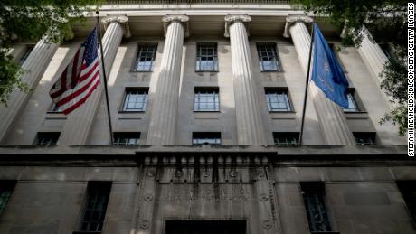 O Departamento de Justiça lançou mais de 70 processos criminais por suposta fraude de parceria público-privada.