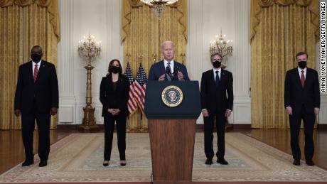 Biden's reassurances on Afghanistan contradict chaotic images on the ground, capping week of bad optics for his administration