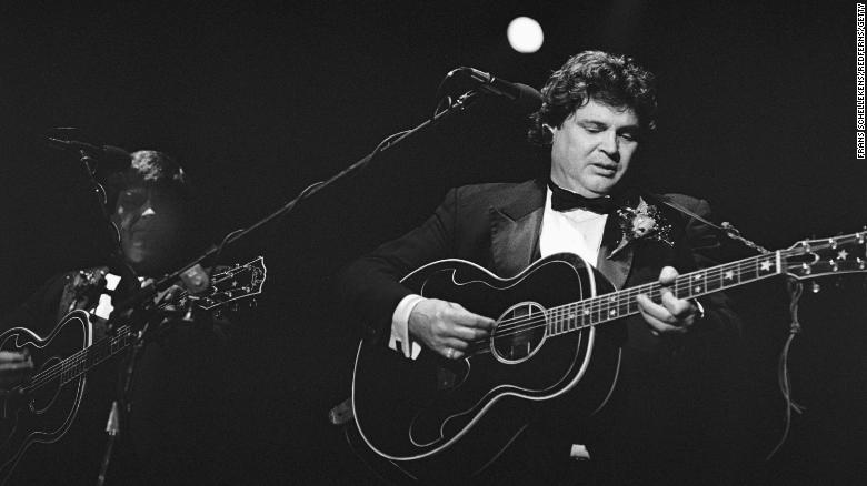 Don Everly, of harmonizing rock 'n' roll duo the Everly Brothers, dies at 84