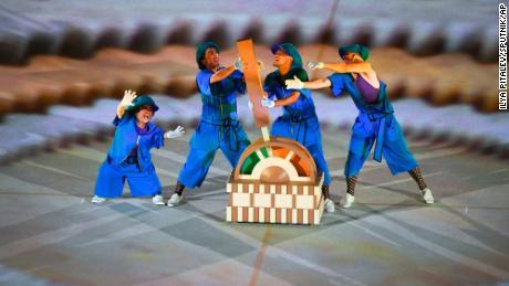 Les danseurs se sont produits lors de la vibrante cérémonie.
