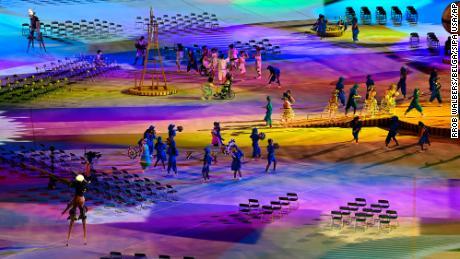Un spectacle de lumière lors de la cérémonie d'ouverture.