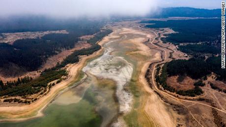 Trockener Teil des Benuelas-Sees in Valparaiso, Chile am 22. Januar 2020.