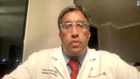 Больница, заполненная пациентами с Covid-19, была вынуждена отказать кому-то, нуждающемуся в экстренном лечении рака, говорит врач