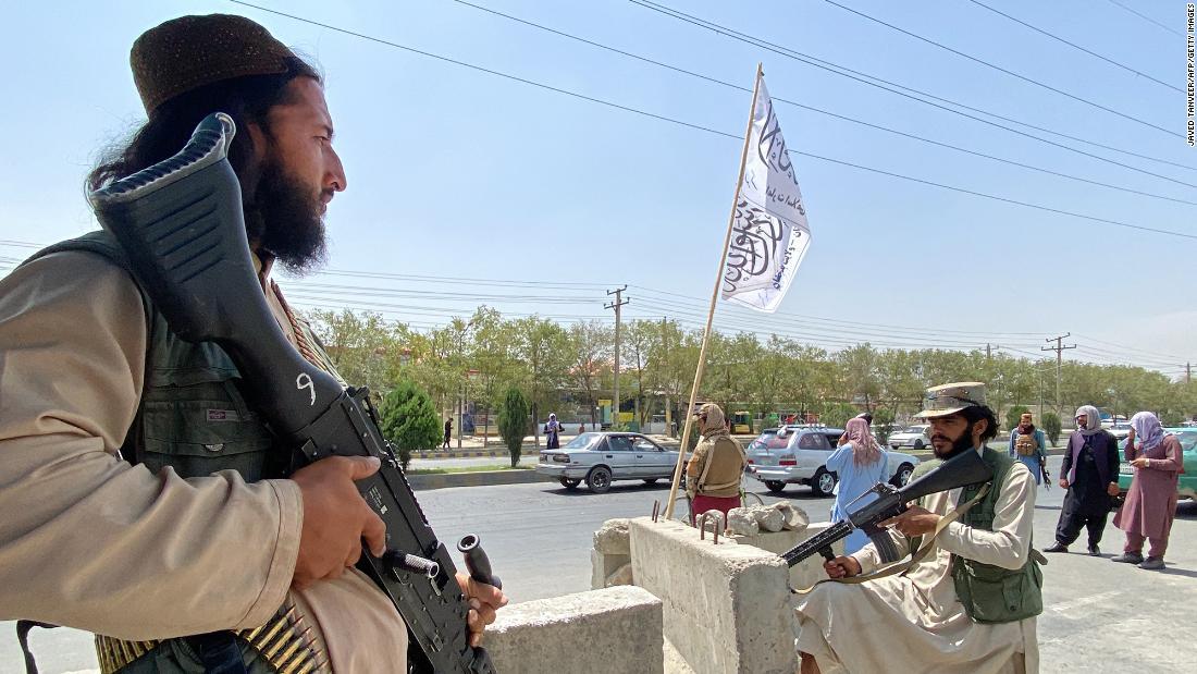 210826165715-taliban-fighters-street-kab